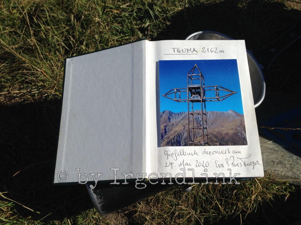 Die erste Seite des Gipfelbuches, in das wir uns eingetragen haben.