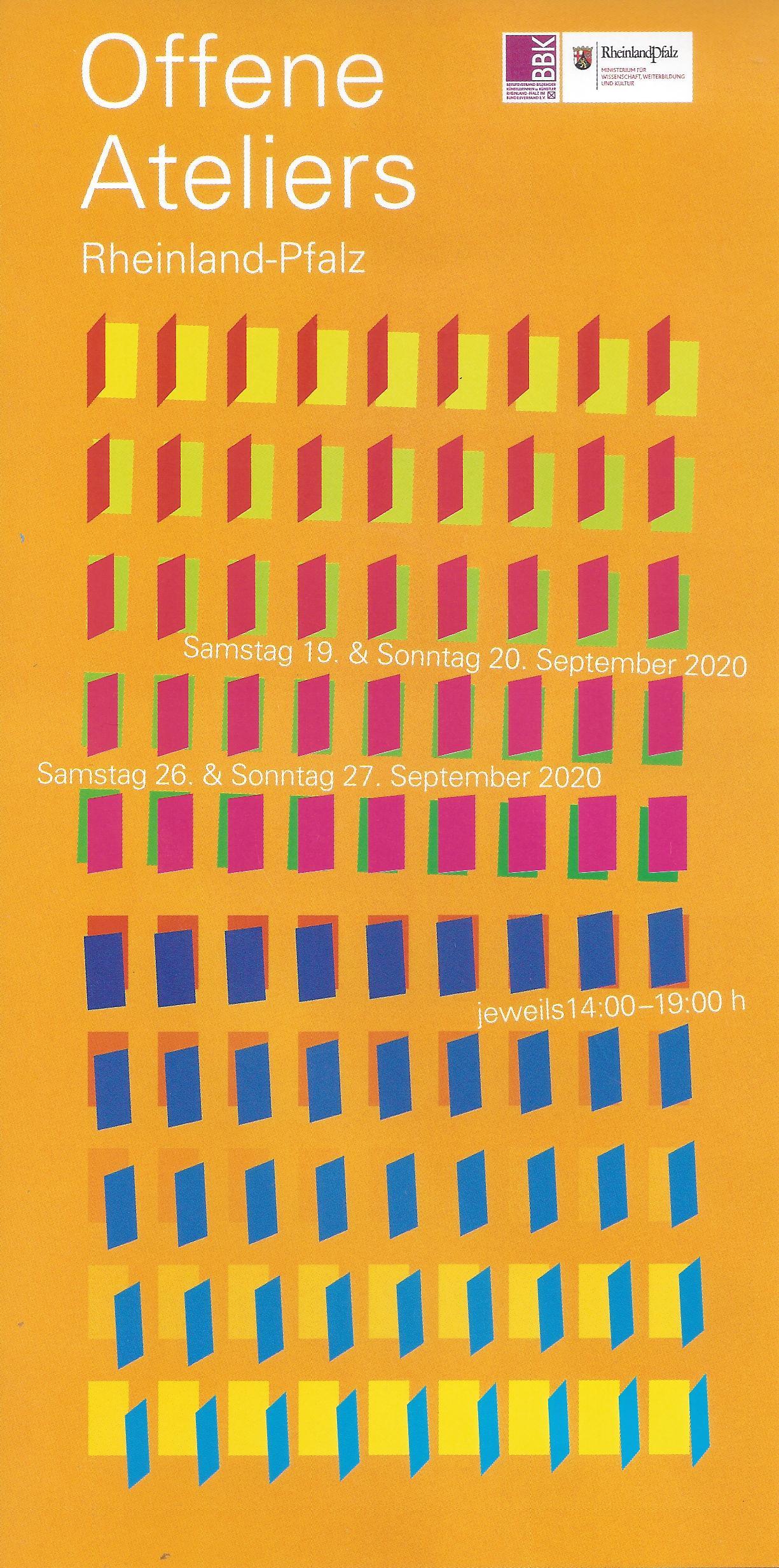 Flyer-Vorderseite zeigt viele unterschiedlich bunte grafisch dargestellte offene Türen auf orangem Hintergrund.