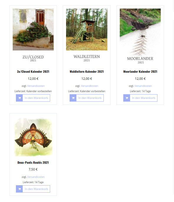 Der Screenshot zeigt die vier Kalender nebeneinander innerhalb des Shops. Die Titelbilder verraten passend etwas über den Inhalt der Kalender.